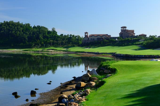 三亚海棠湾海中海高尔夫球会